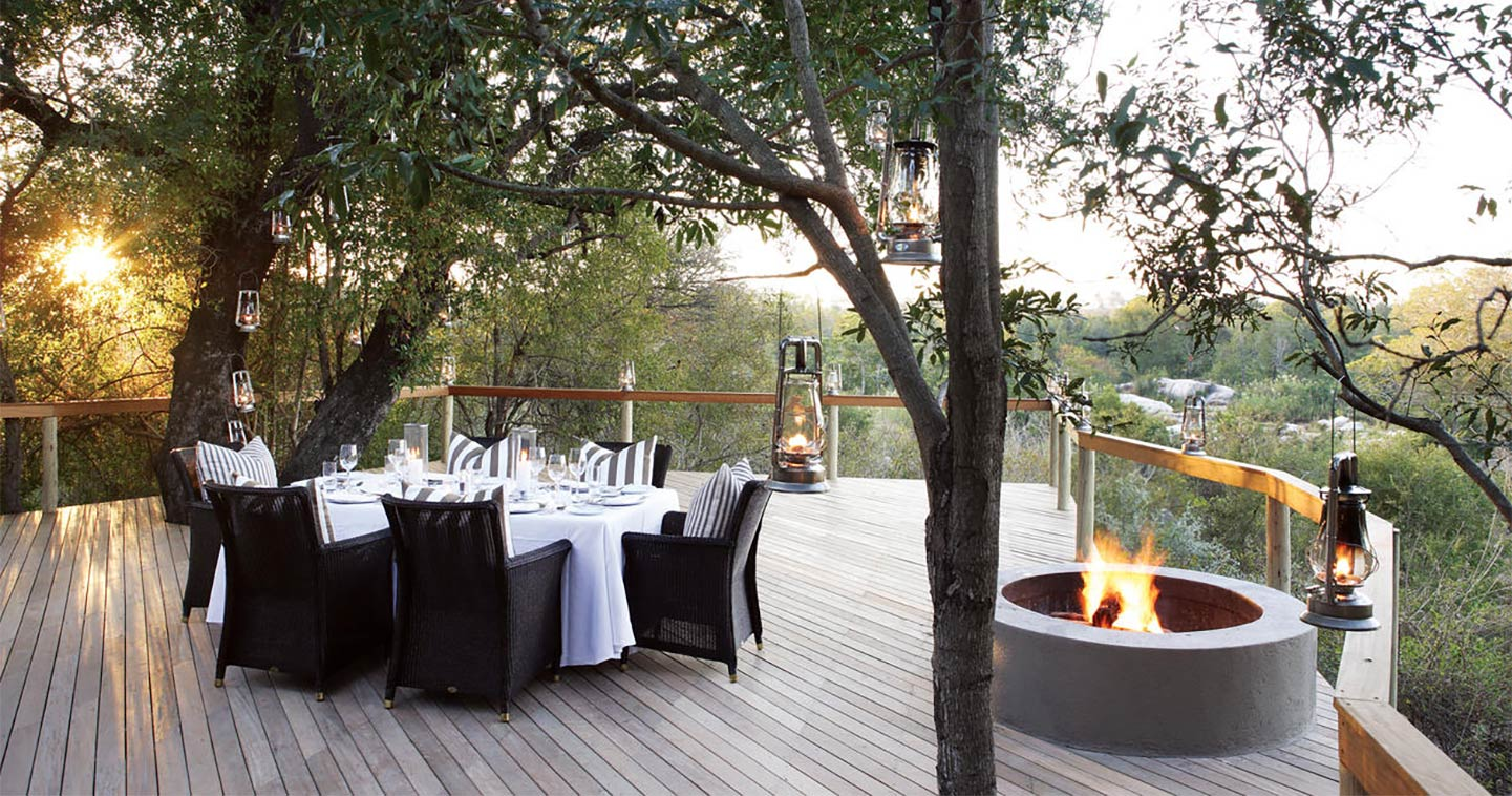 The outside deck at Londolozi Pioneer Camp