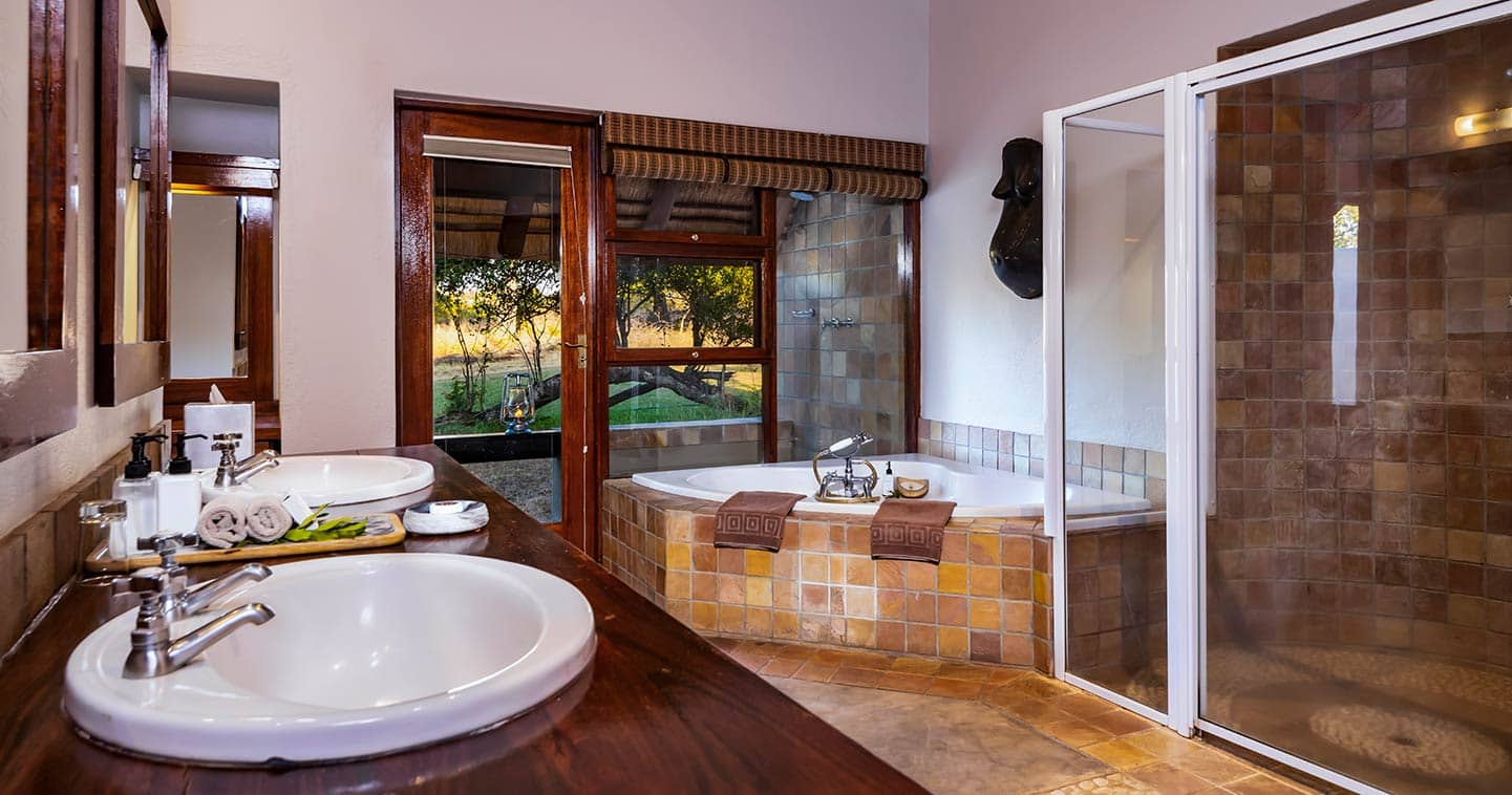 Bathroom at Inyati Lodge in Sabi Sand